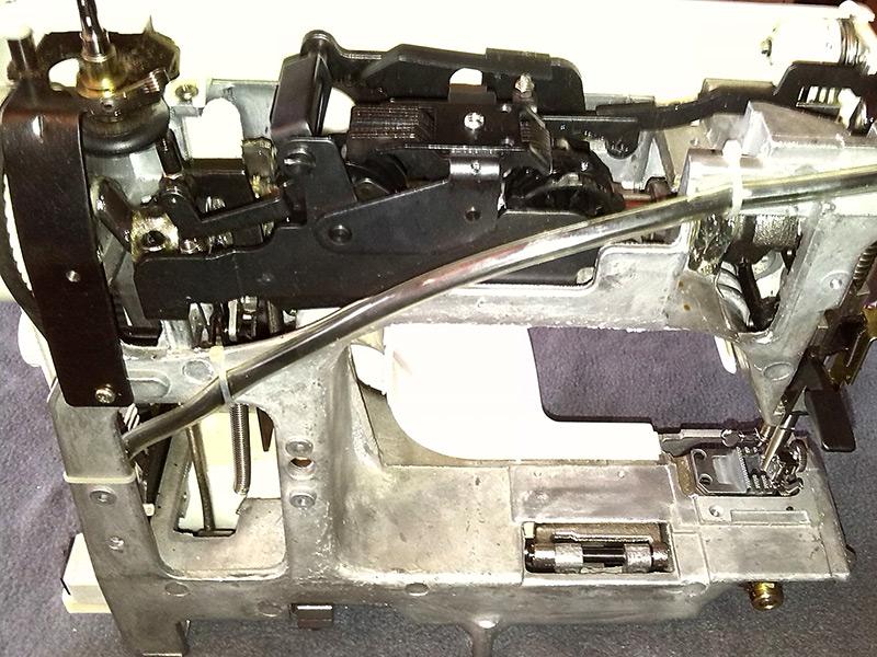 Eine kaputte Nähmaschine  Mauswerkerin # Nähmaschine Blockiert